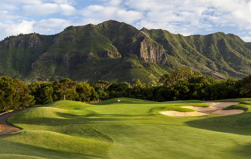 The stunning 17th hole at Puakea on the island of Kauai. Photo by Brian Oar