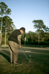 practice to play golf chipping